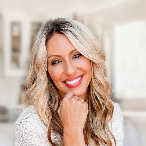 Tanya Robertson - Bombshell Beauty Located Inside Concierge Aesthetics - Irvine, Orange County